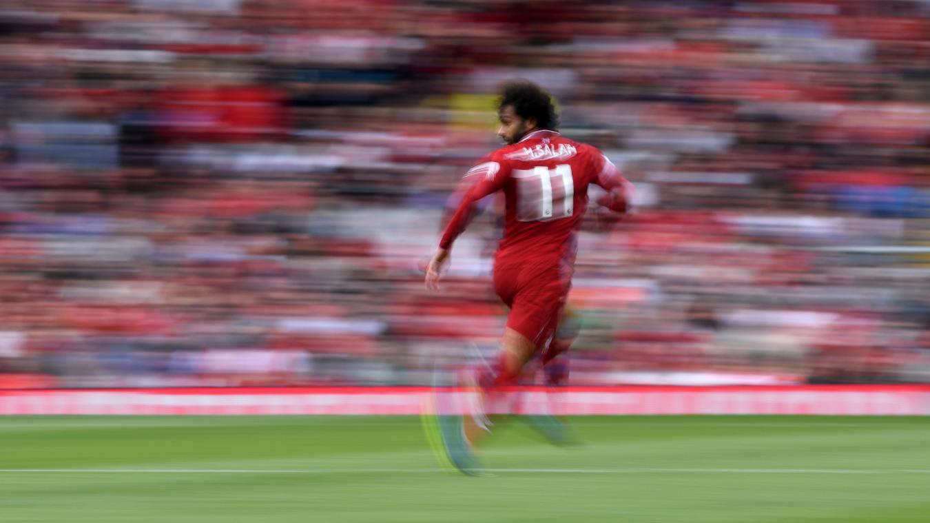 محمد صلاح يركض فى لقاء وست هام في ملعب انفيلد